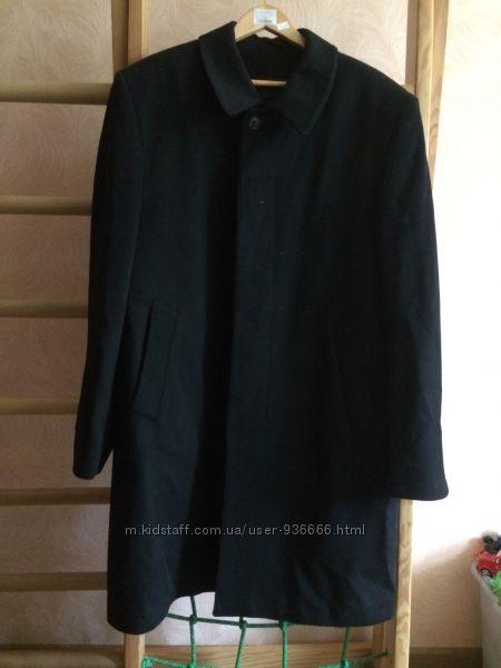 Чёрное кашемировое пальто