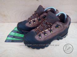 Продам кроссовки - ботинки  Reebok  35-36 размер