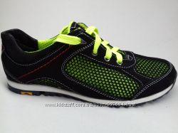 Продам летние кроссовки для девочек и мальчиков разные цвета 32-39р