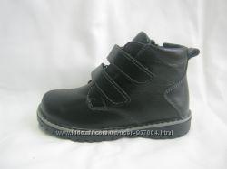 Продам на мальчика кожаные ботинки  27-37 р-ры. Два цвета.