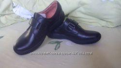 Продам кожаные туфли на мальчика для школы