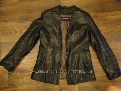 Курточка 2в1  в отличном состоянии