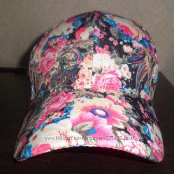 Продам кепочку цветную.