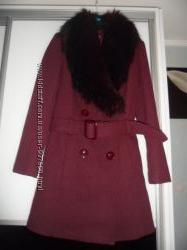 Фирменное пальто New Look. Меховой воротник. Размер S