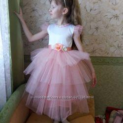 Нарядное платье на 6-7 лет на выпускной