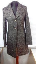 Демисезонное пальто фирмы One Step