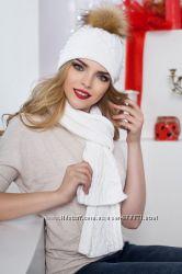 Стильный вязаный комплект из шапки и шарфа. Разные цвета