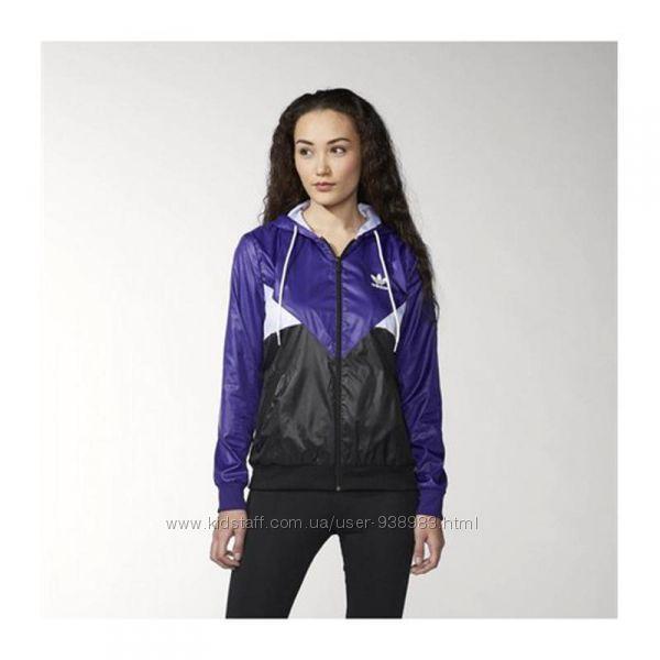 Женская ветровка куртка adidas с капюшоном, размер s
