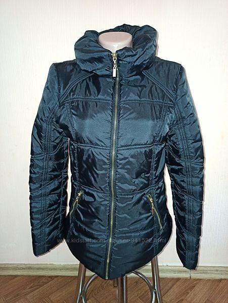 Черная курточка Primark S