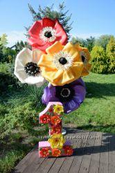 Куст из больших цветов-анемонов