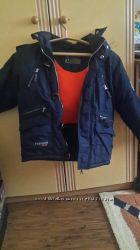 Продам куртку зимнюю на мальчика
