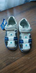 Босоножки сандалии кожаные на мальчика новые с этикеткой стелька 17. 5