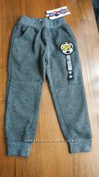 Спортивные штаны утепленные с начесом на мальчика 4-5 лет новые