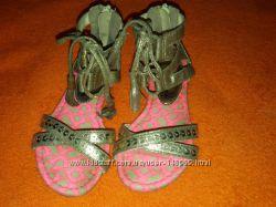 Стильные босоножечки Love you Sandals  стелька 17см