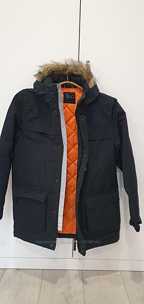 Продам демисезонную куртку Next