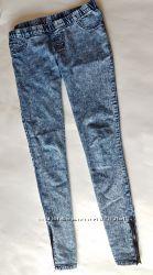 Стильные джинсы-скини на молнии