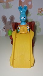 Машинка кролика Банни на русском языке