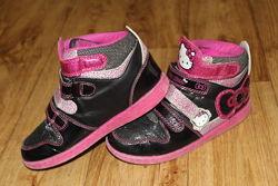 Демисезонные кроссовки Hello Kitty 32 размер