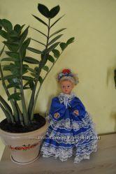 Очень красивая винтажная куколка