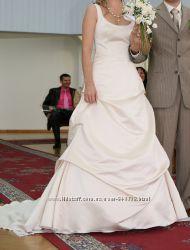 Свадебное платье фирмы Pronovias
