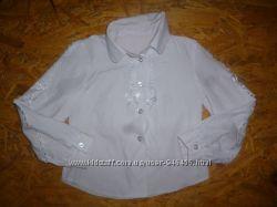продам белую рубашку блузку на 4-5 лет на рост 116-122 см в отличном состоя