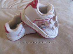 Кроссовки Disney для маленькой принцесы