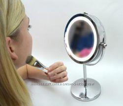 Косметическое настольное зеркало с подсветкой.