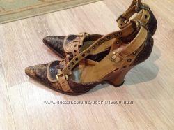 Итальянские босоножки Vivien Lee из кожи питона