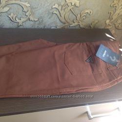 Guess новые фирменные стрейчевые брюки