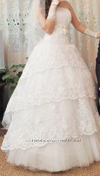 шикарное свадебное платьеСрочно продаю