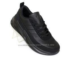 Модныечерные кроссовки