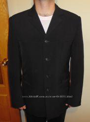 Мужской чёрный пиджак