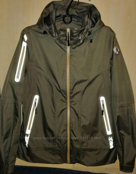 Куртка ветровка Luhta