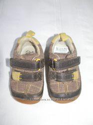 Детские кожаные пинетки-мокасины Clarks first shoes р. 18 12 дл. ст11, 5