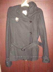 Бомбезеное полушерстяное пальто с капюшоном от Blends