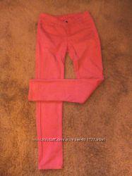 Коралловые джинсы-скинни Pieces, С-М.