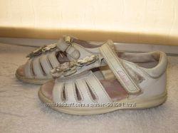 Кожаные босоножки Clarks 22 разм, 13, 5 см
