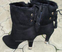 Красивые ботинки на меху