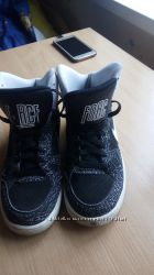 Кроссовки Nike р. 37