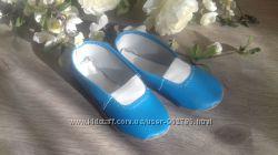 Качественные синие чешки. все размеры 11-30см