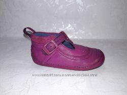 Мокасины для самых маленьких CLARKS First Shoes 20. 5-21 размер