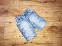 Легенькие летние шорты  с потертостями от Next