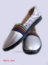Новые туфли балетки слипоны мокасины серебро