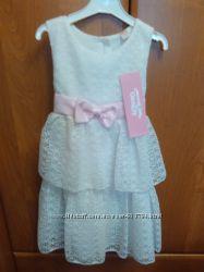 Очень красивое платья.