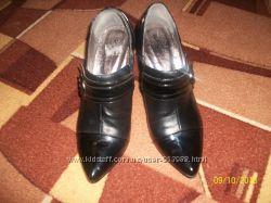 Туфли закрытые 39р.