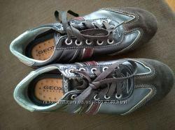 Жіночі кросівки Geox