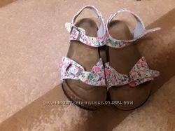 Фирменные босоножки для девочки Next размер 36