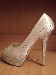 Шикарные новые туфли со стразами 36 37р на свадьбу, выпускной, вечер