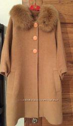 Пальто из натуральной шерсти с натуральным мехом