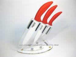 Набор из трёх керамических ножей Frico на акриловой подставке